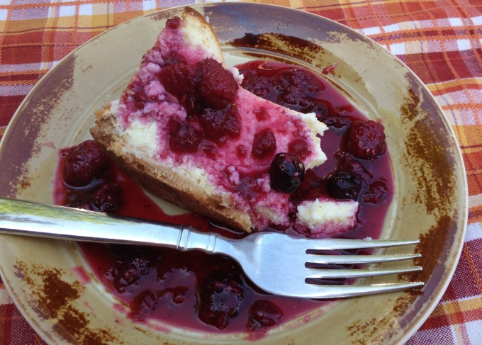 Raspberry sauce made with fresh raspberries goes great over cheesecake ...