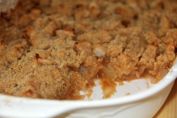 Handmade by CJ: Maple Oatmeal Apple Crisp