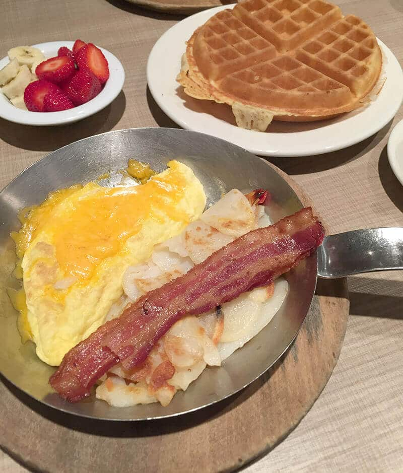 Chicago Food Guide featuring Lou Mitchell's breakfast